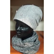 Komplet damski czapka z szalem typu komin.